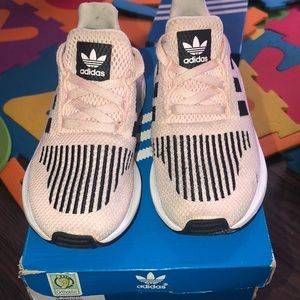 Girls Adidas Swift Run